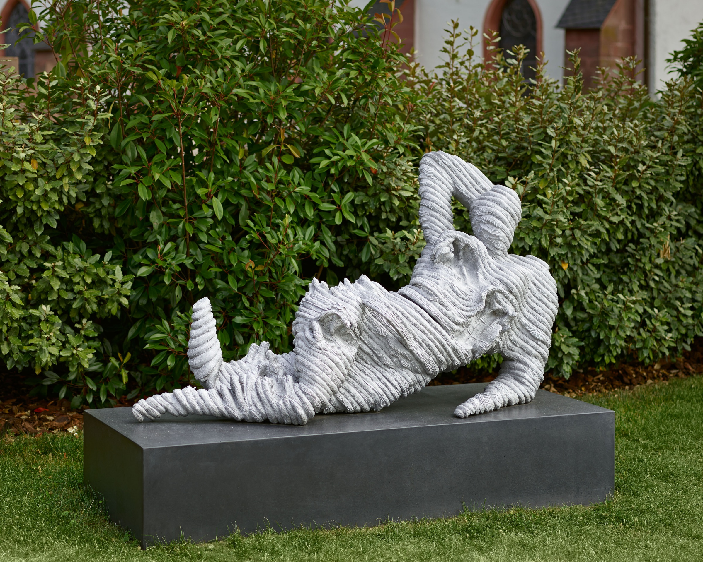 Toby Ziegler, Self-portrait as reclining nude II, 2017, Aluminiumguss, Skulptur: 85 x 153 x 57 cm.; 33 1/2 x 60 1/4 x 22 1/2 in., Sockel : 34 x 176.6 x 73.6 cm.; 13 3/8 x 69 1/2 x 29 in.